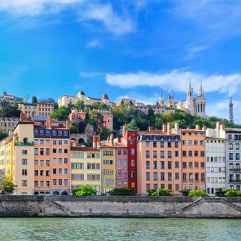 Snapcar arrive à Lyon ! Réservez votre VTC en un clic